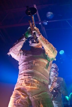 Here Come The Mummies - Oddbodys-0271